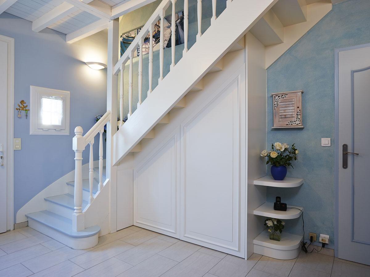 porte sous escaliers 2