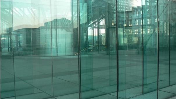 Verre sur mesure : découpe de verre calibré