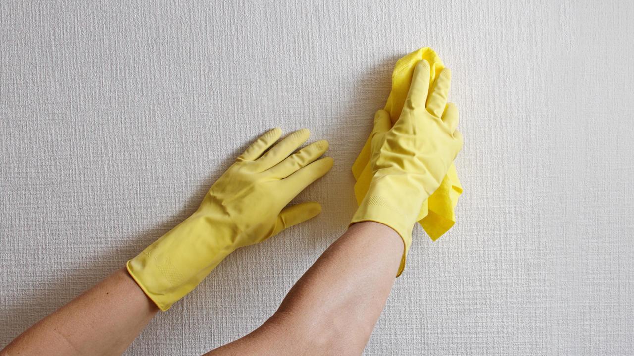 Nettoyage mur blanc
