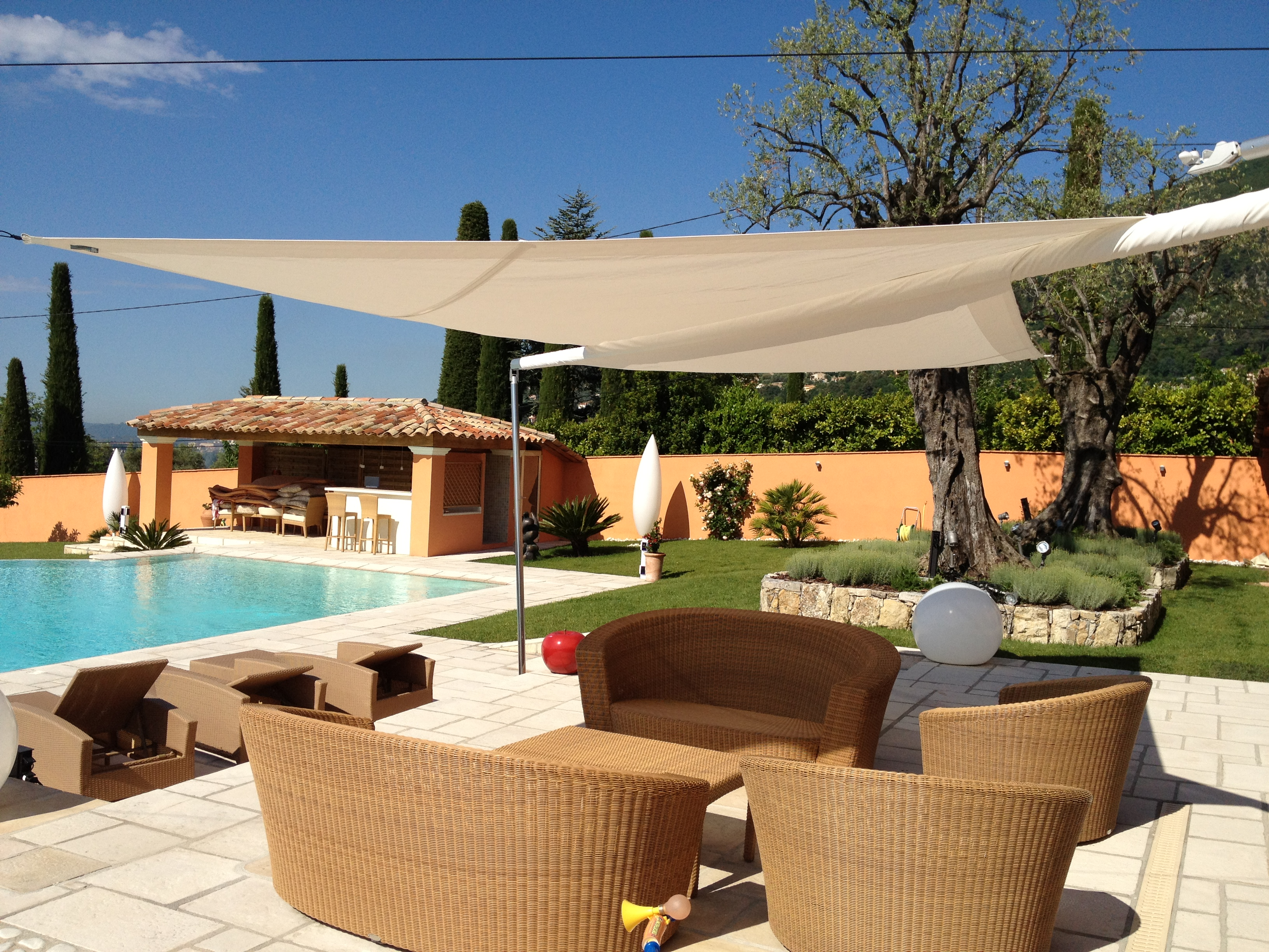 Voile d ombrage pour terrasse amazing voile jardin - Voiles d ombrage pour terrasse ...
