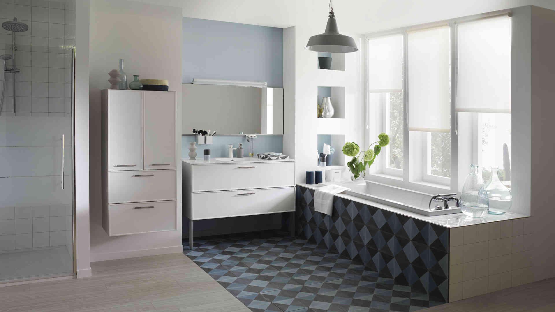 repeindre un meuble de salle de bain laqu perfect meuble de s meuble de salle de bain largeur. Black Bedroom Furniture Sets. Home Design Ideas