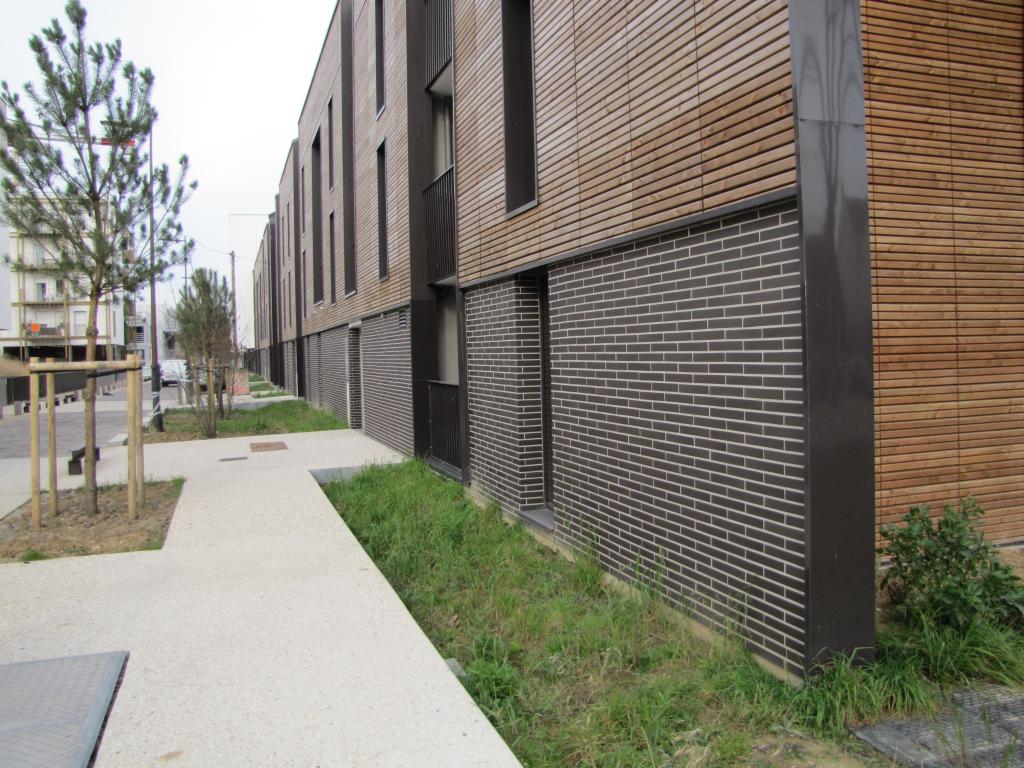 Habiller Un Mur Exterieur En Parpaing comment sublimer les façades de sa maison pour être tendance ?