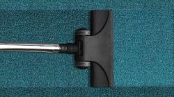 Nettoyer efficacement toutes les surfaces de la maison avec un aspirateur-balai !