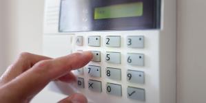 Alarme maison : un accessoire déco qui assure votre sécurité