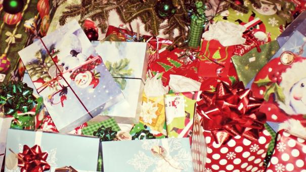 Déco et cadeaux : des idées d'accessoires tendances à offrir à Noël