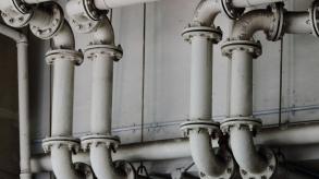 Quelle est la différence entre un bon plombier et un mauvais plombier ?