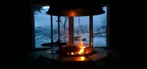 Comment créer une ambiance cosy avec une cheminée électrique?