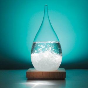Storm glass : un cadeau insolite à offrir pour toutes les occasions